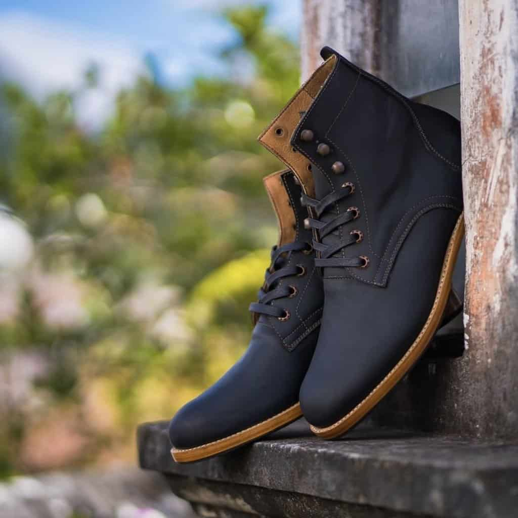 Adelante Black Havana Boots
